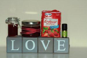 Erdbeermarmelade mit Gelierzucker und ätherischen Vanille Öl