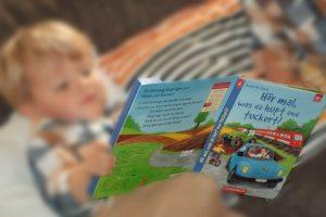 Zwilling Alf liest, Hör mal, was da hupt und tuckert!