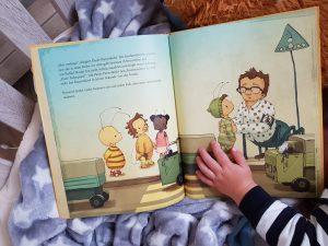 Ulf liest die kleine Hummel Bommel und die Liebe