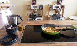 Die Zwillinge Alf und Ulf kochen mit mir Hühnersuppe