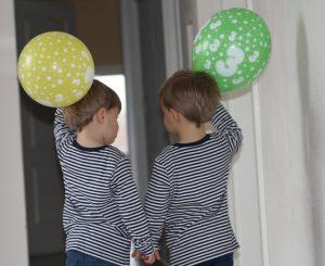 Hurra die Zwillinge Alf und Ulf sind drei.